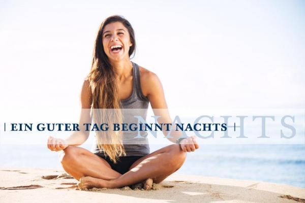 billerbeck-Blog_EIN-GUTER-TAG-BEGINNT-NACHTS_Frau-Strand