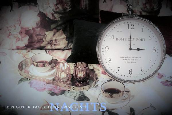 billerbeck-Blog_Sommerzeitumstellung-Bett-Kaffee-Uhr